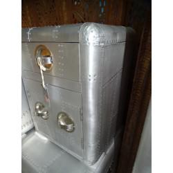grande statue de Devdasi en pierre