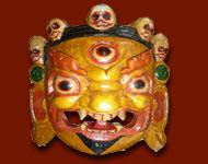 Masques en provenance du népal. Tous ces masques représentent des divinités, des démons tibétain ainsi que ganesha.Ils sont tous sculptés et peints main.